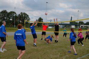 Lees meer over het artikel Buurten volleybal Burgum